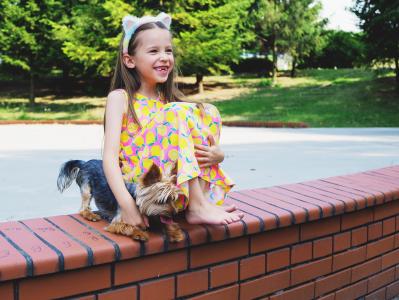 Portfolio - Fotografia Geek Imagination - Dziewczynka z pieskiem yorkiem
