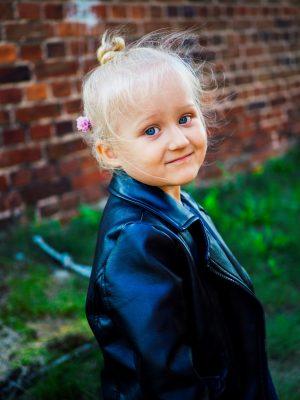 Portfolio - Fotografia Geek Imagination - Dziewczynka z kwiatem we włosach