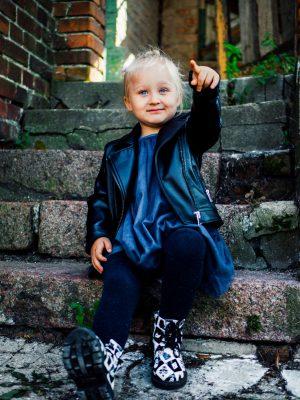 Portfolio - Fotografia Geek Imagination - Dziewczynka na schodach