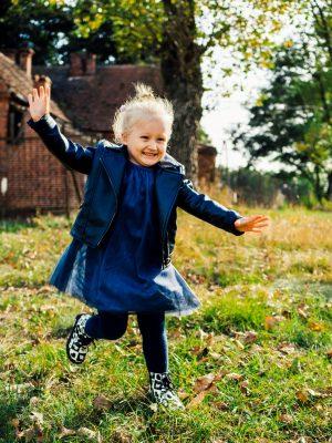 Portfolio - Fotografia Geek Imagination - Dziewczynka biegnie